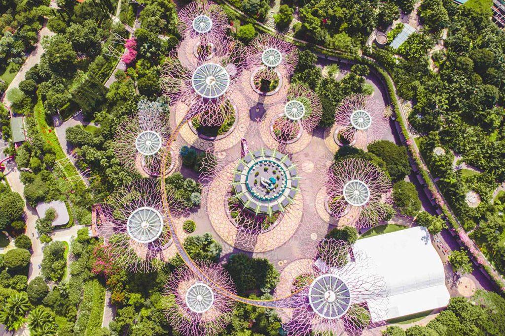 Los 10 jardines verticales más impresionantes del mundo (Jardines de la Bahía en Singapur)