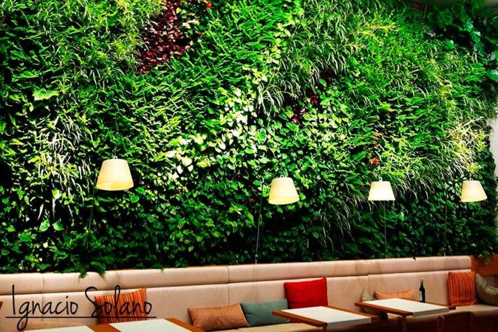 El jardín vertical interior de Ignacio Solano - Restaurante, Madrid