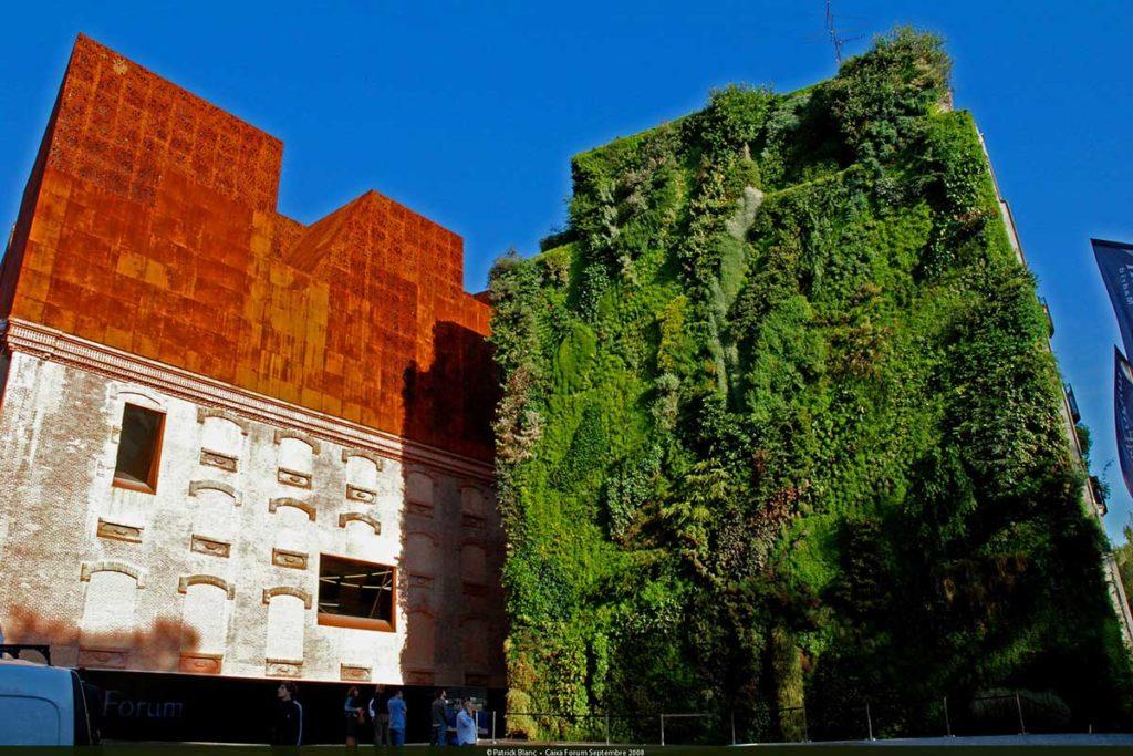 Jardines verticales de España y Europa (Jardín del edificio de la Caixa Forum de Madrid)