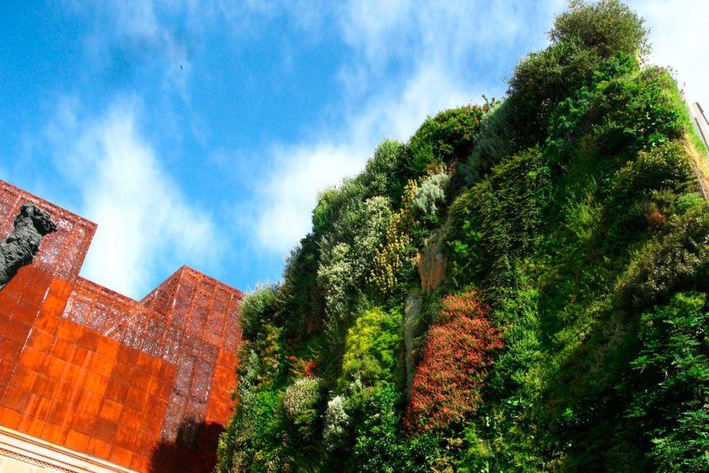 Los jardines verticales más impresionantes del mundo (Jardín vertical del CaixaForum, en Madrid)
